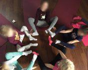 Gruppenübung Kinderyoga